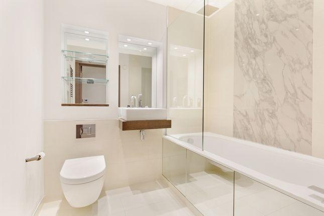 Bathroom of Millennium House, Putney Plaza, London SW15