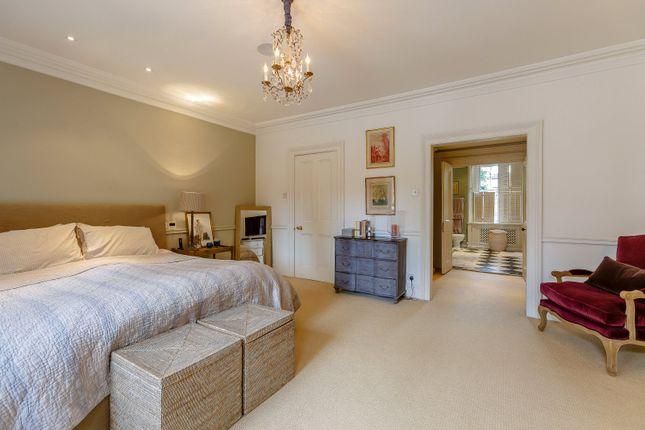 Master Bedroom of Onslow Gardens, South Kensington, London SW7