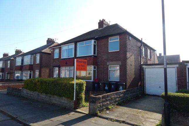 Parking/garage to rent in Balkwell Avenue, North Shields NE29