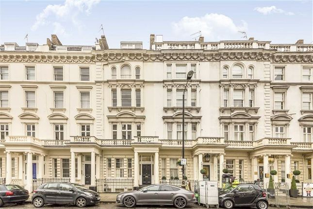 2 bed flat to rent in St. Georges Drive, London