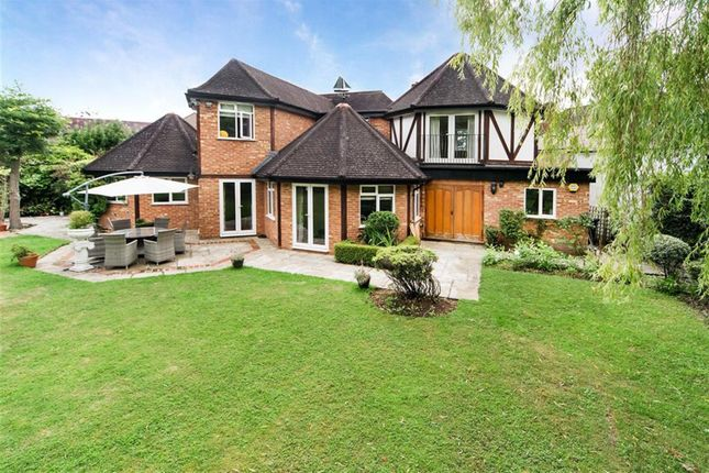 Thumbnail Detached house for sale in Clevehurst Close, Stoke Poges