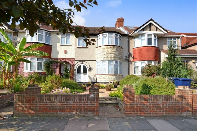 Whitton Avenue West Greenford Middlesex Ub6 3 Bedroom