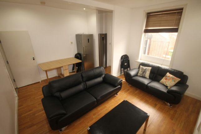 Thumbnail Terraced house to rent in Lucas Place, Woodhouse, Leeds