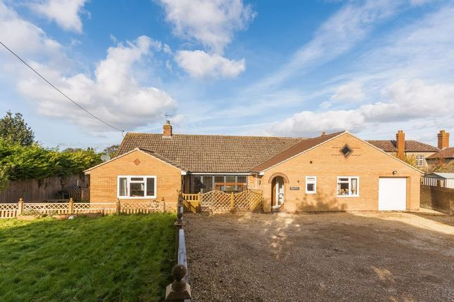 Thumbnail Detached bungalow for sale in Springfield Road, Wantage