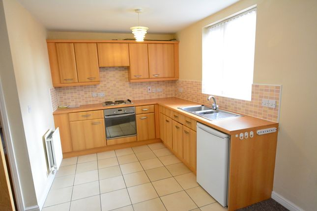 2 bed flat to rent in Pavior Road, Nottingham