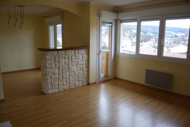 Apartment for sale in Limoux, Languedoc-Roussillon, 11300, France