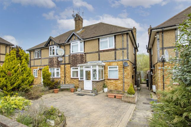 2 bed maisonette for sale in West Close, Cockfosters EN4