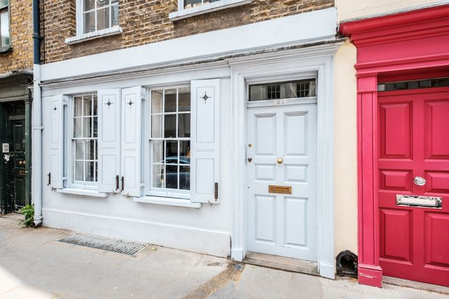 1 (22) of Britton Street, Clerkenwell EC1M