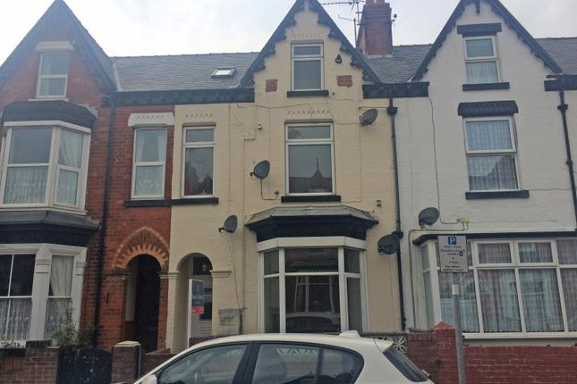 Thumbnail Flat to rent in St Georges Avenue, Bridlington, North Humberside, Y015