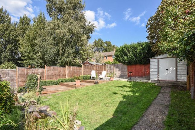 4 bed semi detached house for sale in bullbrook bracknell