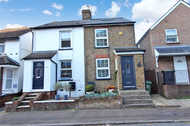 Semi-detached house for sale in Cotterells, Boxmoor, Hertfordshire HP1, 1Jp