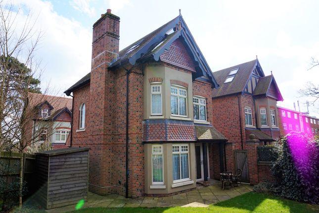 Thumbnail Detached house for sale in Bassett Avenue, Southampton