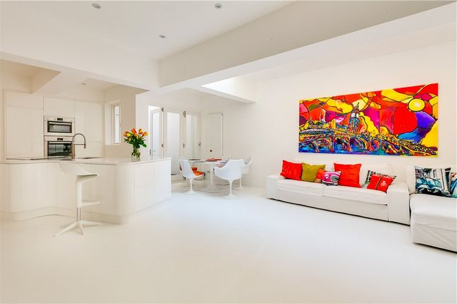Thumbnail Property for sale in Cornwall Gardens, London