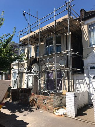 Thumbnail Flat to rent in Tavistock Avenue, Walthamstrow