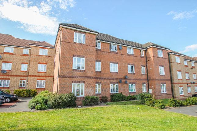 Thumbnail Flat to rent in Ashdown Grove, Walsall