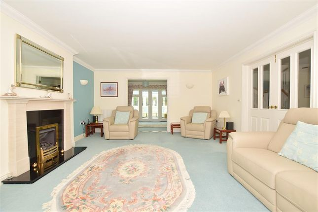 Thumbnail Detached house for sale in Leybourne Place, Felbridge, East Grinstead, Surrey