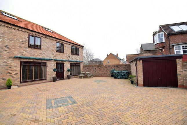 Thumbnail Detached house for sale in Trinity Road, Bridlington
