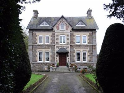 Properties for sale in flers argentan orne lower for Garage paris normandie flers
