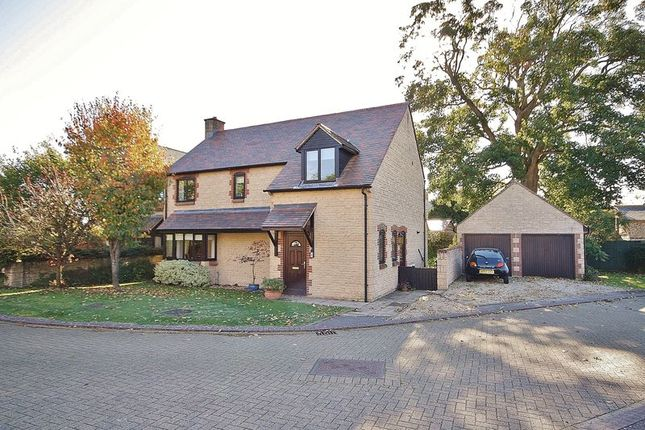 Thumbnail Detached house for sale in Sycamore Close, Witney