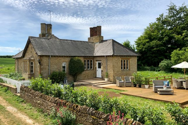 Thumbnail Cottage to rent in Chipping Norton, North Oxfordshire