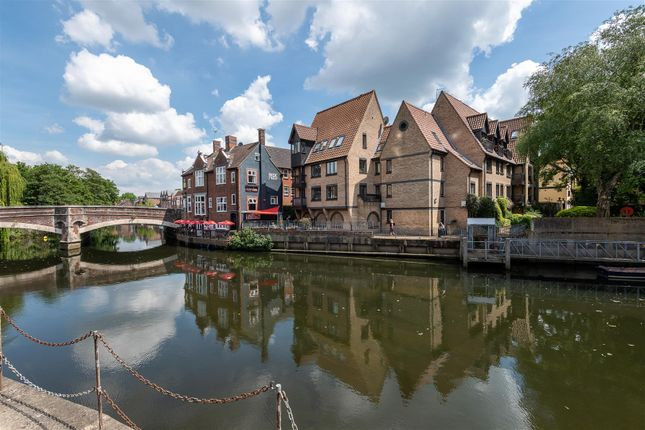 Thumbnail Flat for sale in Roaches Court, Norwich