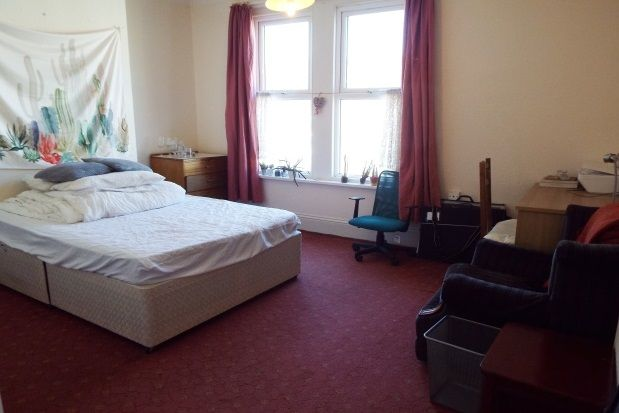 Thumbnail Room to rent in Chetwynd Road, Southsea
