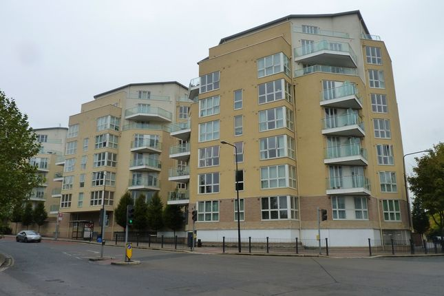 Thumbnail Flat to rent in Water Gardens Square, London