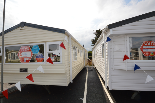 Oaklands Holiday Park Is In A Perfect Location Set Between Colchester And Clacton On Sea