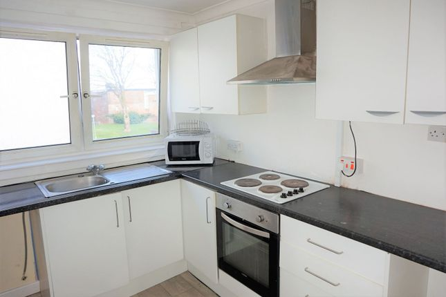 2 bed flat to rent in Stormyland Way, Glasgow G78