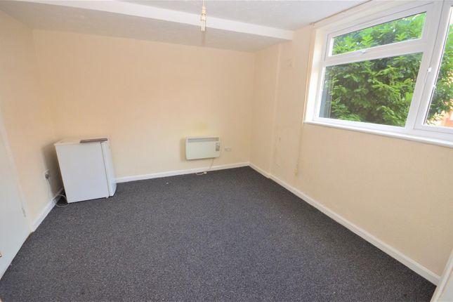 Living Room of Brantwood Road, Luton LU1
