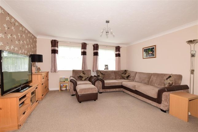 Thumbnail Flat for sale in Wallace Drive, Wickford, Essex