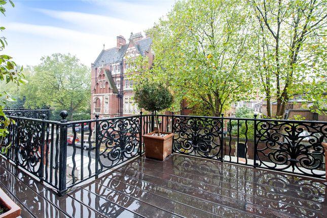 Terrace of Cadogan Square, London SW1X