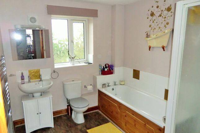 Bathroom of Lamb Lane, Cinderford GL14