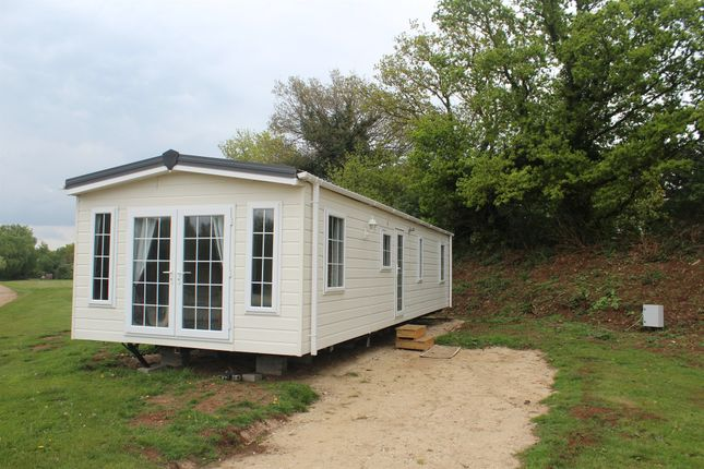 3 bed mobile/park home for sale in Common Road, Pentney, King's Lynn