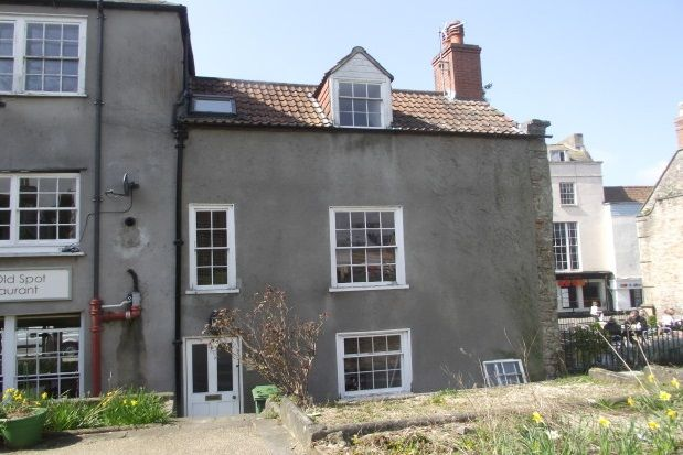 2 bed flat to rent in Cathedral Green, Wells