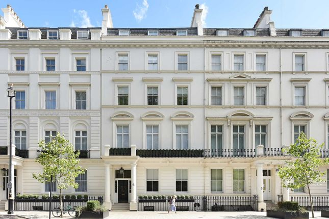 Property to rent in Short Let - Buckingham Gate, Westminster
