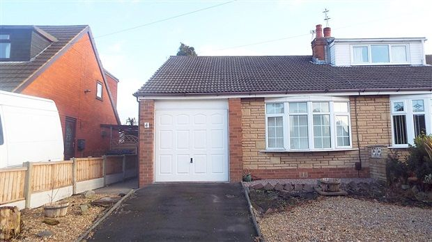 Thumbnail Bungalow to rent in Hoghton Road, Leyland