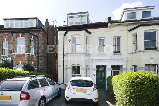Picture No. 02 of Cricklewood Lane, London NW2