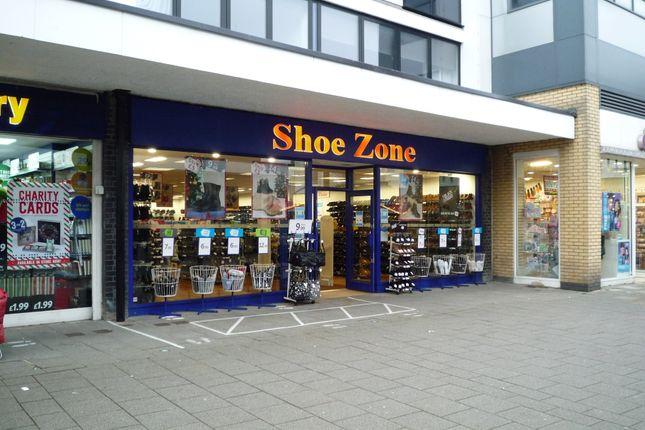 Thumbnail Retail premises to let in Queensmead, Farnborough