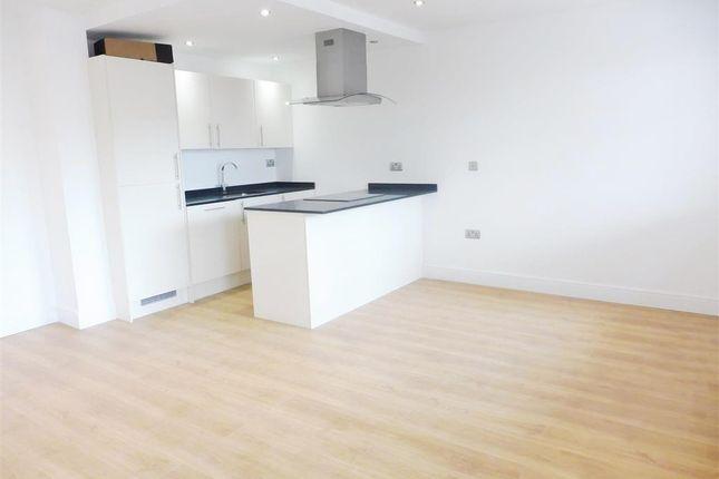 Thumbnail Flat to rent in Waterhouse Street, Hemel Hempstead