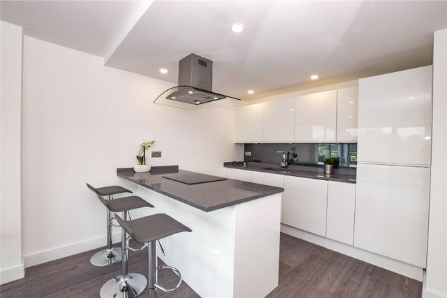 Thumbnail Flat for sale in Swan Court, Waterhouse Street, Hemel Hempstead, Hertfordshire