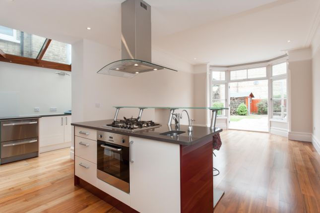 Thumbnail Property to rent in Dukes Avenue, Muswell Hill, London