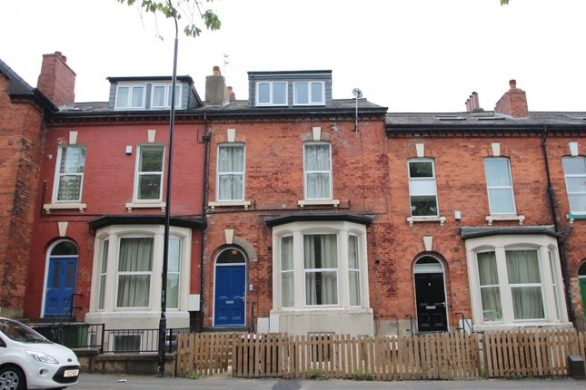 Thumbnail Flat to rent in Victoria Road, Hyde Park, Leeds