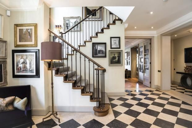Detached house for sale in Oakhill Avenue, Hampstead, London