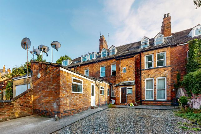 Thumbnail Flat to rent in Park Avenue, Princes Avenue, Hull