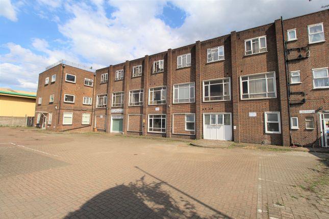 Thumbnail Flat to rent in Willow Lane, Mtcham