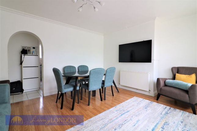 Thumbnail Flat for sale in Mayfield Crescent, London