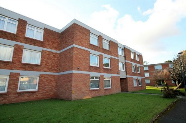 3 bed flat to rent in The Limes, Wellington Place, Frenchay, Bristol BS16