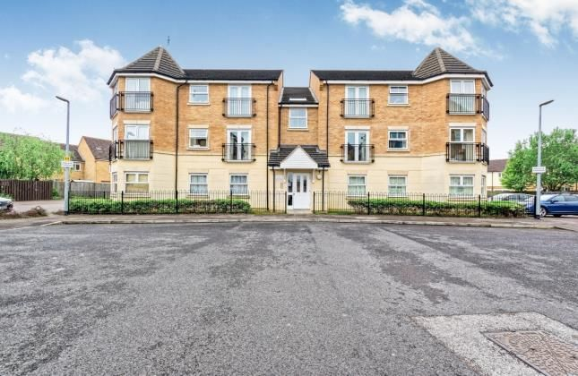 Thumbnail Flat for sale in Reeve Close, Leighton Buzzard, Beds, Bedfordshire