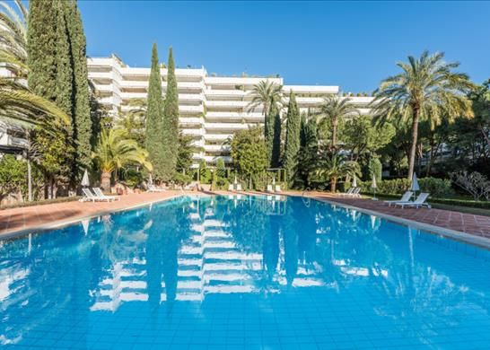 4 bed apartment for sale in Marbella, Malaga, Spain